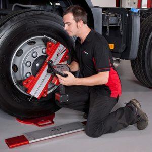 Laser AM heavy vehicle wheel aligner