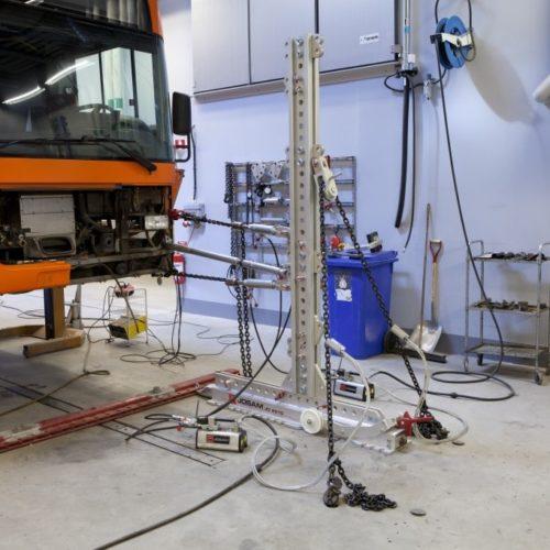 josam-straightening-cab-tower-bus-repair-04-1024x682